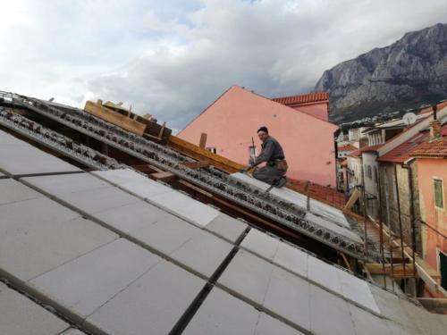 Makarska, kuća Sumić (krov)